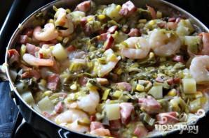 Пироги с креветками и колбасой - фото шаг 7