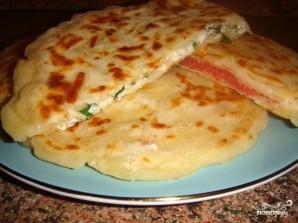 Сырные лепешки с начинкой - фото шаг 9