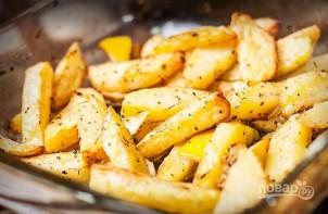 Картофель, запеченный с лимоном и чесноком - фото шаг 4