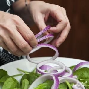 Салат со шпинатом и беконом - фото шаг 3