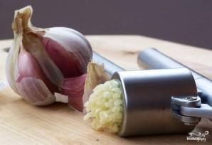 Батон с сыром и чесноком - фото шаг 4