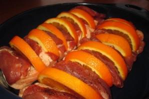 Мясо с апельсинами в духовке - фото шаг 4