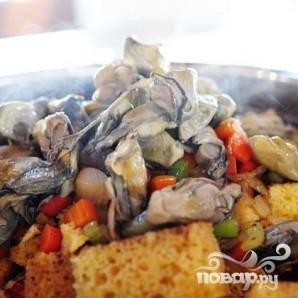 Жареный хлеб с устрицами и овощами - фото шаг 3