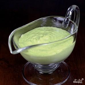 Зеленый салат с помидорами и авокадо - фото шаг 6