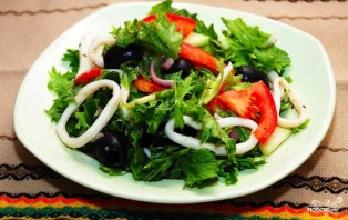 Вкусный салат из кальмара - фото шаг 4