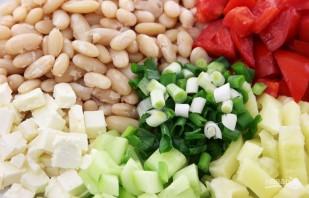 Салат из отварной фасоли - фото шаг 2