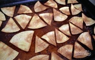 Чипсы начос в духовке - фото шаг 4