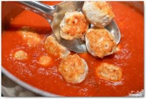 Куриные фрикадельки в томатном соусе - фото шаг 9
