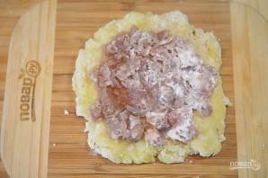 Рулетики из картофеля с фаршем - фото шаг 6