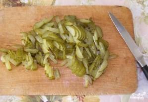 Фасолевый салат с сухариками - фото шаг 2