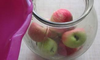 Яблоки консервированные целиком - фото шаг 8