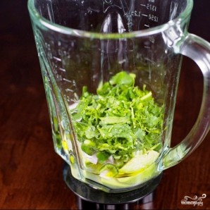 Зеленый салат с помидорами и авокадо - фото шаг 3