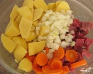 Мясо с картофелем в рукаве - фото шаг 6