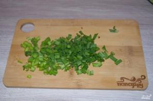 Салат из копченой курицы с черносливом - фото шаг 3