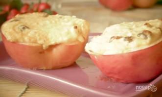 Яблоки, печенные с творогом - фото шаг 6