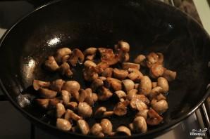 Тушеная говядина в сметанном соусе - фото шаг 4