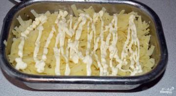 Селедка под шубой с плавленным сыром - фото шаг 2