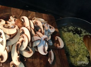 Спагетти с грибами в сливочном соусе - фото шаг 5