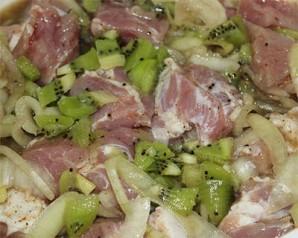Быстрый маринад для свинины из киви - фото шаг 3