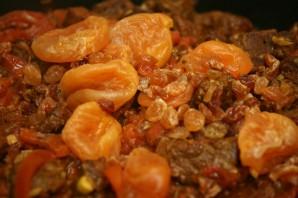 Баранина с томатом и курагой - фото шаг 16