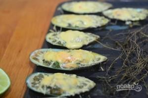 Мидии с сырно-чесночным соусом - фото шаг 10