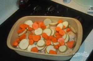 Картошка с курицей и грибами в духовке - фото шаг 3