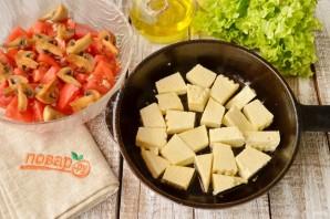 Теплый салат с жареным сыром - фото шаг 4