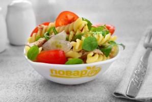 Паста-салат с консервированным тунцом - фото шаг 5