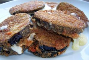 Баклажаны с сыром и чесноком - фото шаг 6