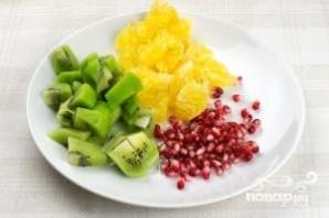 Фруктовый салат с киви - фото шаг 1