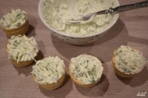 Тарталетки с творожным сыром и семгой - фото шаг 4