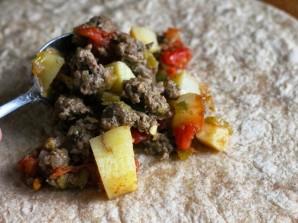 Буррито с говядиной и картофелем - фото шаг 4