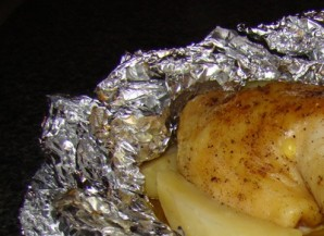 Куриные окорочка в фольге - фото шаг 6