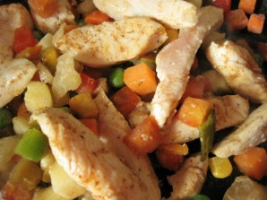 Курица с овощами и рисом - фото шаг 3