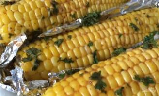 Кукуруза, запеченная со специями и зеленью - фото шаг 3