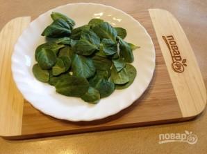 Теплый салат со шпинатом - фото шаг 1