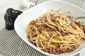 Спагетти с фаршем в мультиварке - фото шаг 4