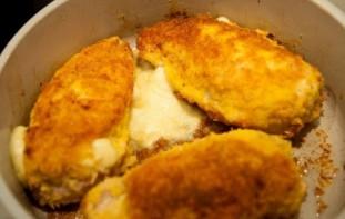 Куриная грудка с сыром в сухарях - фото шаг 8