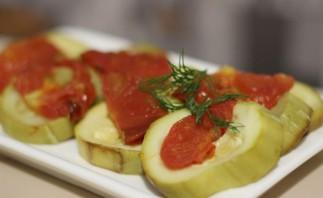 Кабачки, запеченные с помидорами в мультиварке - фото шаг 3