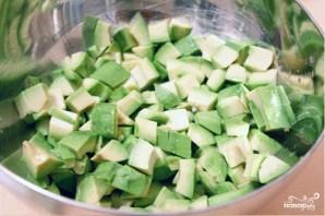 Салат из авокадо с грушей и сыром - фото шаг 2