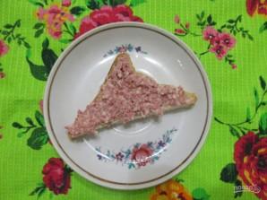 Закрытые бутерброды с сыром и колбасой - фото шаг 7