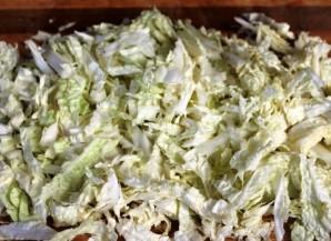 Салат капустный с кукурузой и яблоком - фото шаг 3