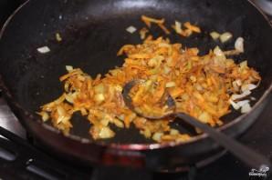 Салат с вареной печенью и солеными огурцами - фото шаг 5