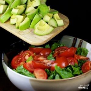 Зеленый салат с помидорами и авокадо - фото шаг 9