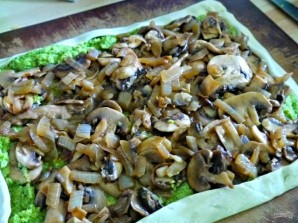 Слоеный пирог с брокколи и грибами - фото шаг 6