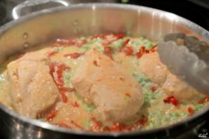Куриная грудка в чесночном соусе - фото шаг 3