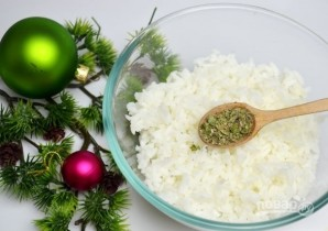 Салат с кукурузой, рисом и копченой скумбрией - фото шаг 3