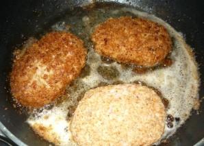 Зразы с яйцом и луком - фото шаг 8
