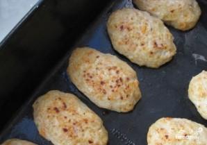 Котлеты в духовке из говядины - фото шаг 4
