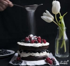 Шоколадный торт с черникой - фото шаг 8
